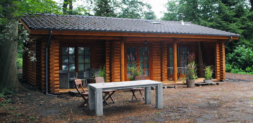 "Small log house 61 m² ""Wild West"""