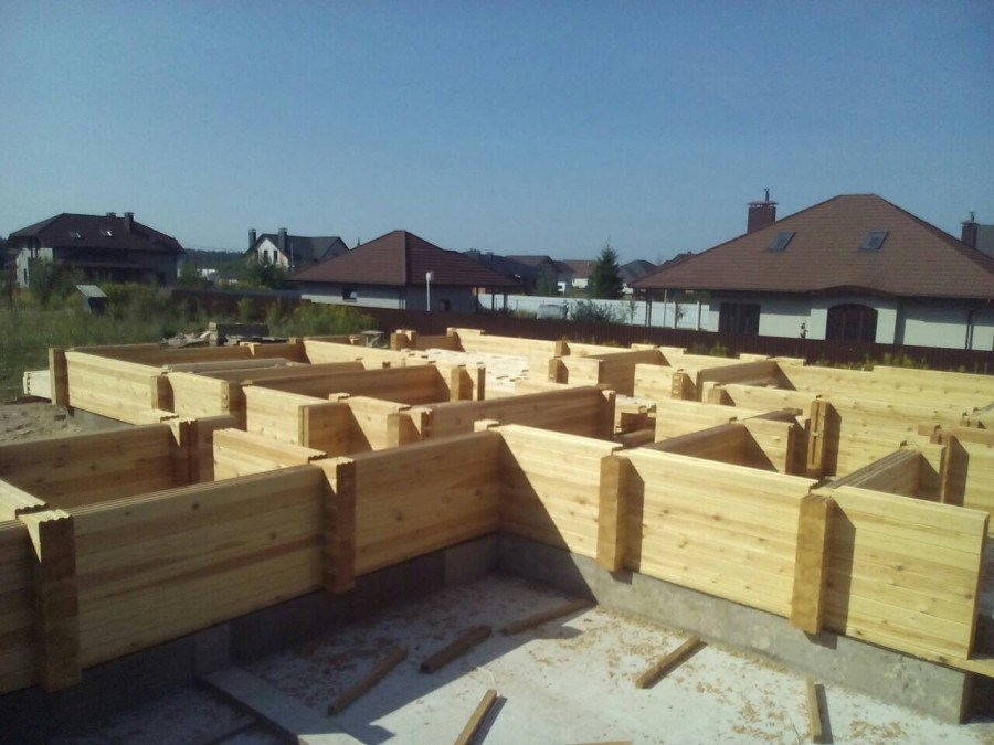 Where to order the construction of a wooden house on a turn-key basis, or Who will help build a house?