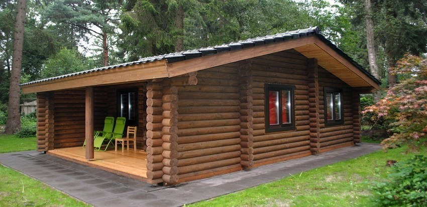 Log cabin kits : Dutch log house  Van Dijk  (house kit with wooden windows, ceramic tiles, concrete strip foundation)