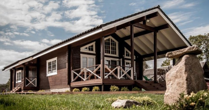 Wooden chalet-style home  Annabelle