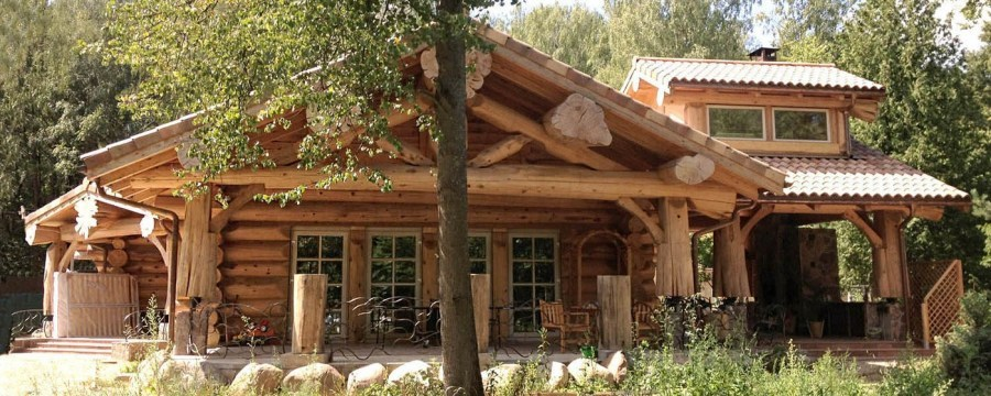 Canadian wood home construction ( construction company Archiline Log Houses)
