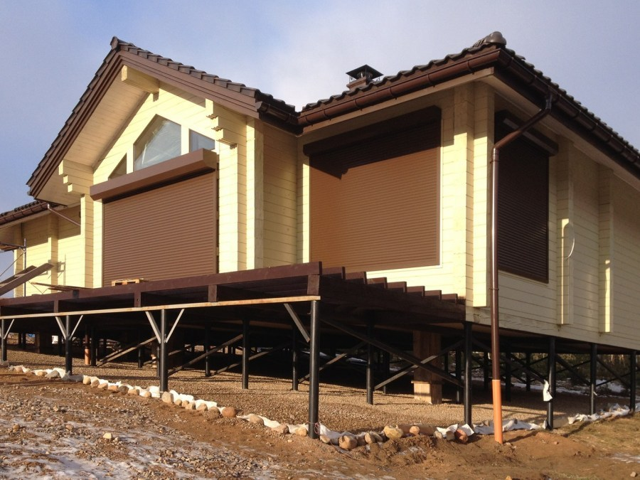Wooden house of glued laminated timber on piles  Beijing